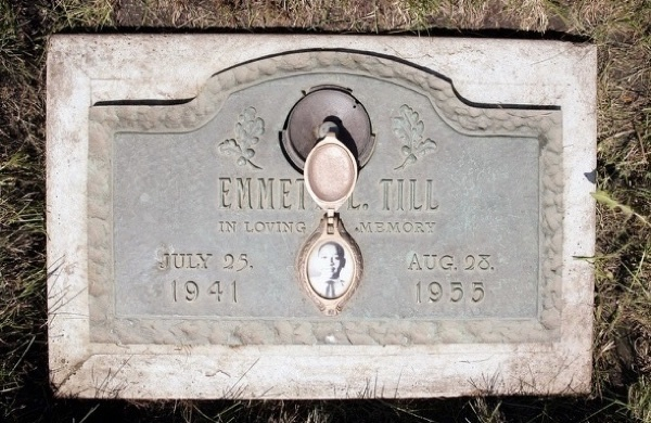 Till's original gravesite in Alsip, Ill. His body was exhumed in 2005 as part of an FBI investigation.Source Upworthy